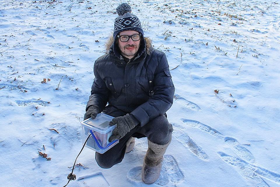 Евгений Арсюхин построил радиоприемник, который ловит дыхание Земли и импульсы мозга человека.