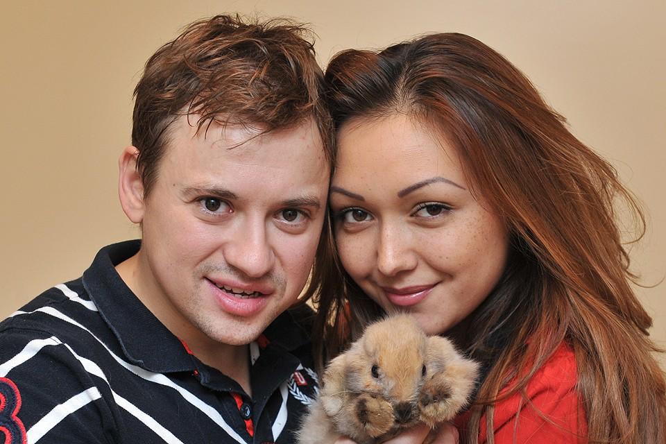 Андрей Гайдулян развелся с супругой Дианой Очиловой в 2017 году.