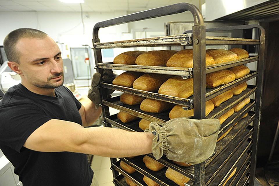 Пшеница дешевеет, говорите? А мука, по данным статистики, только дорожает. И хлеб тоже