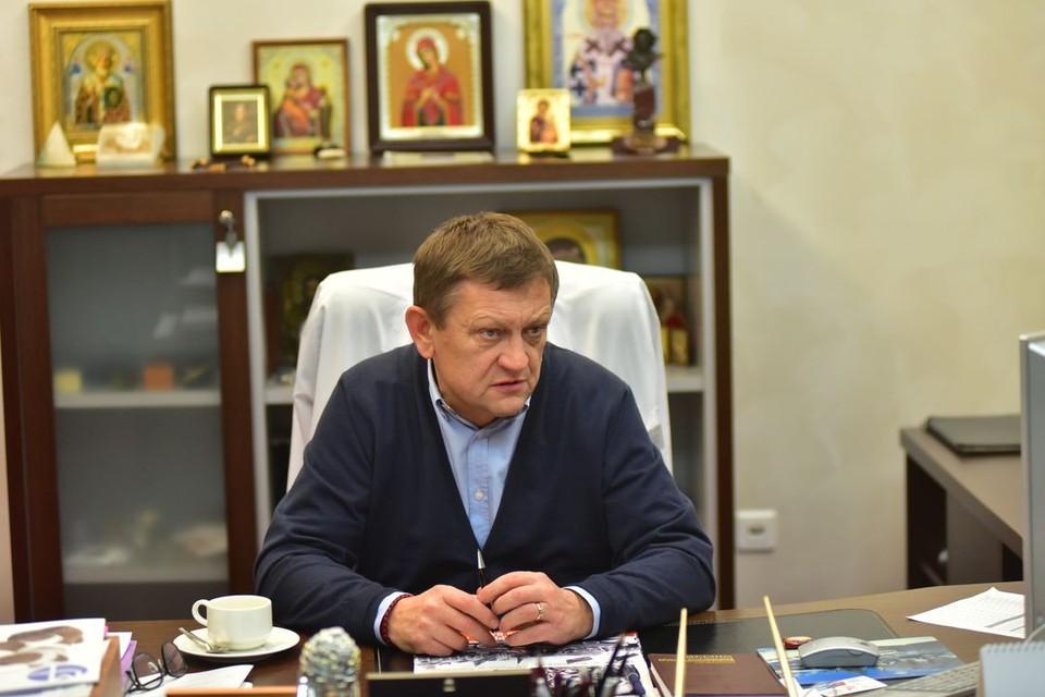 Александра Караськова задержали вместе с его супругой.