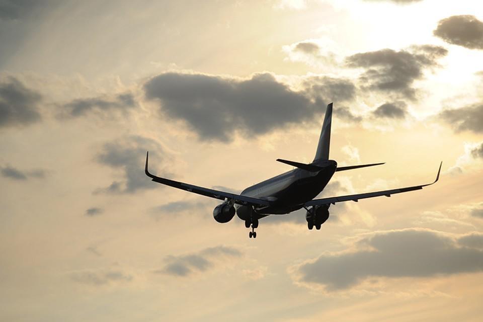 В аэропорту Амстердама столкнулись два пассажирских самолета