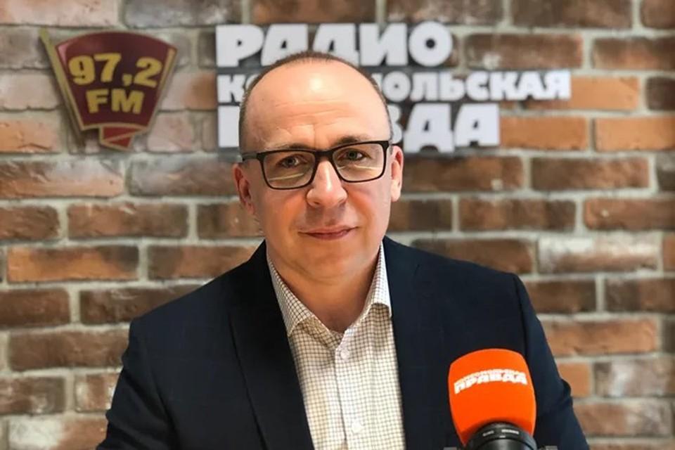 Александр Александрович Юхимук, генеральный директор компании «Альфа-Строй» в студии Радио «Комсомольская правда».