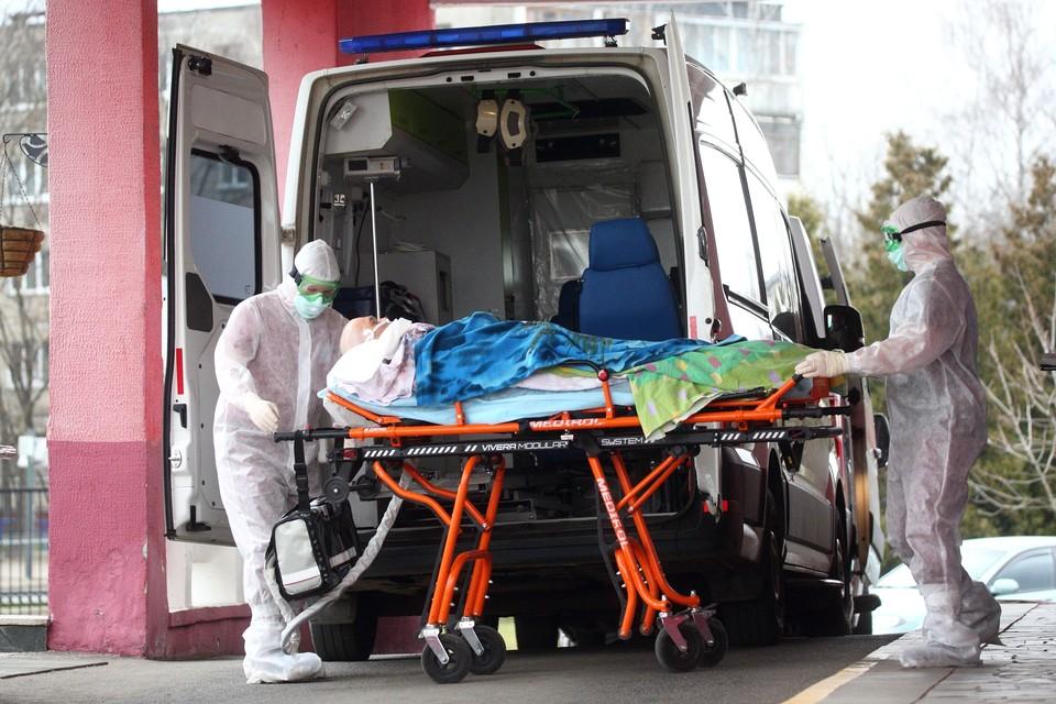 В больницах еще на днях была нехватка мест.