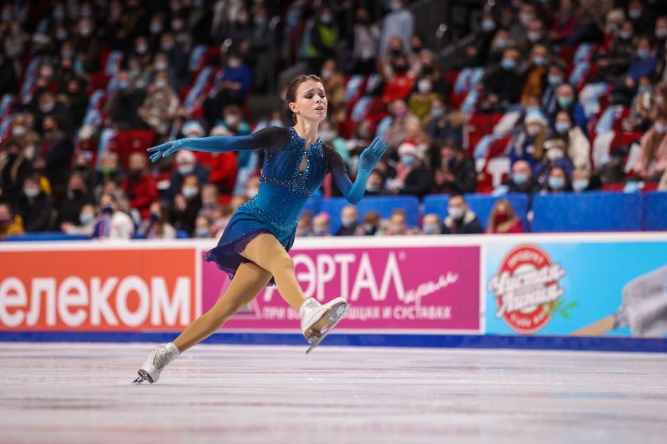 Анна Щербакова стала лучшей в короткой и произвольной программах