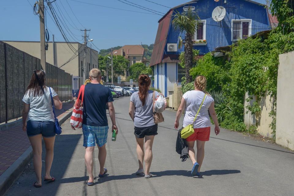 В тихих курортных поселках Сочи отдых обойдется значительно дешевле