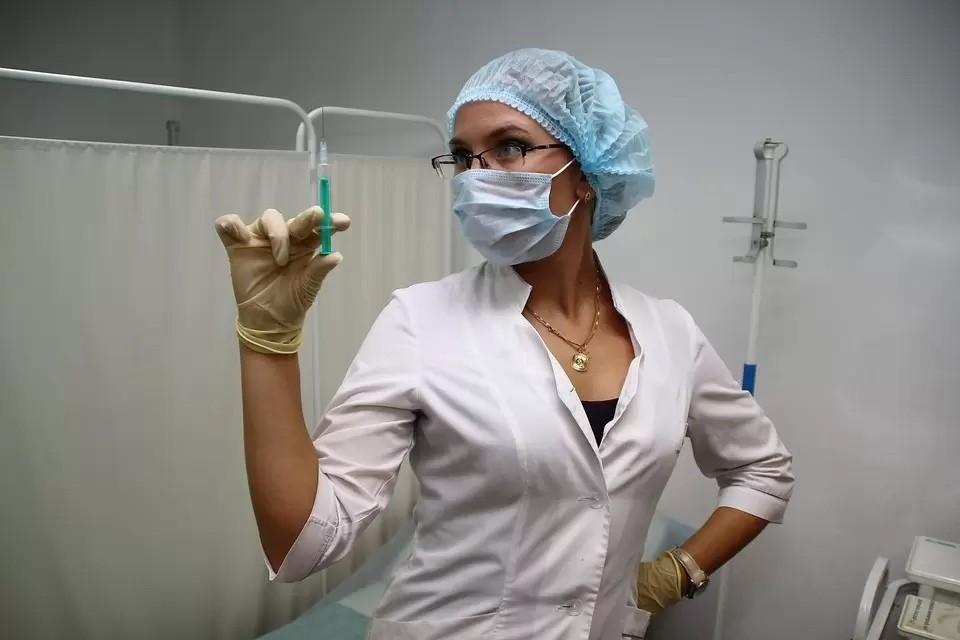 Старшее поколение чаще сталкивалось с аденовирусом.