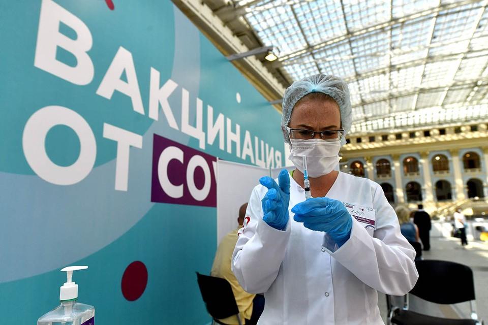 Число россиян, желающих сделать прививку от коронавируса, выросло вдвое.