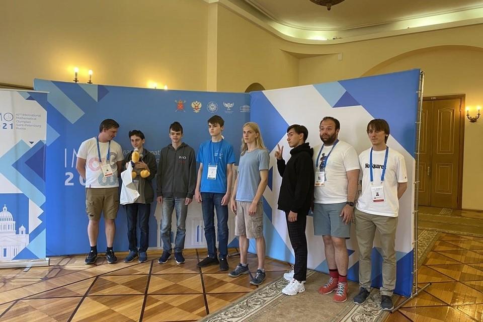 Сборная России заняла второе место на математической Олимпиаде. Фото: Комитет по образованию СПб