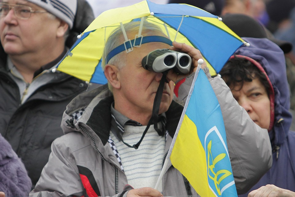 Социологи во время рядового опроса получили данные, весьма неприятные для киевской власти