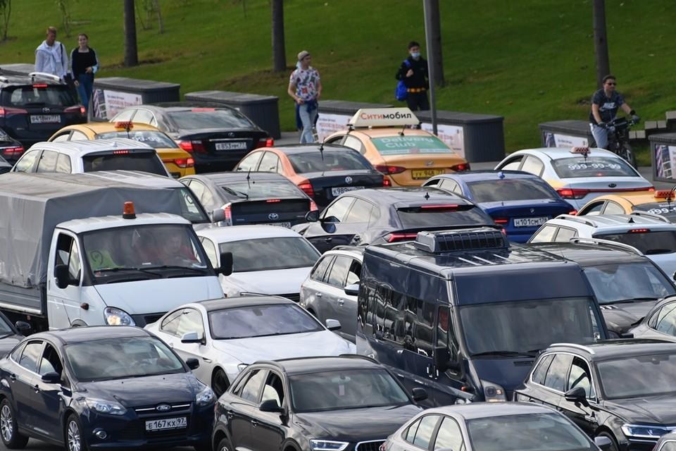 Ростовчане снова жалуются на пробки.