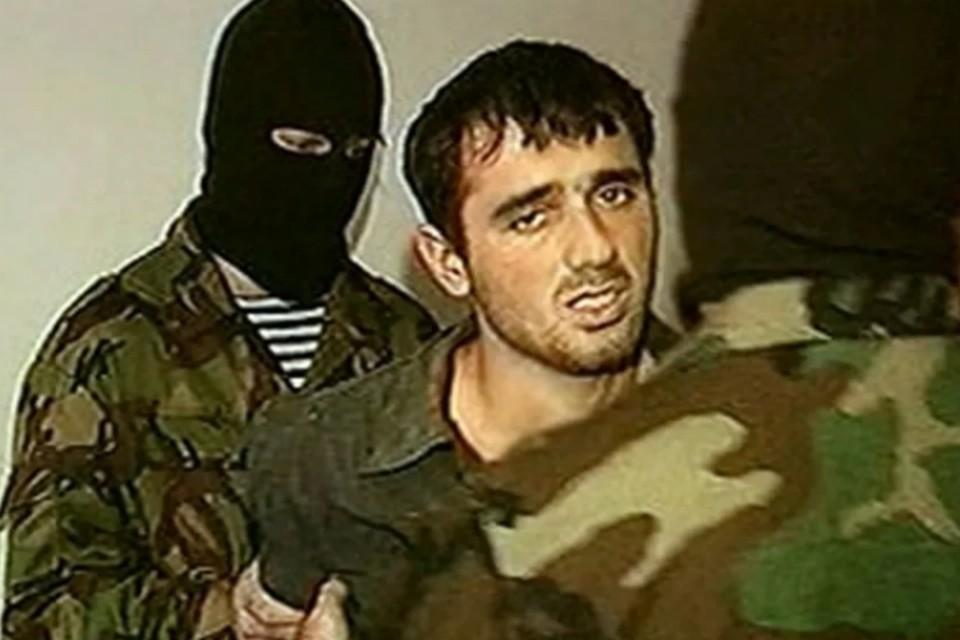 Нурпаша Кулаев поехал в Северную Осетию со старшим братом, входившим в банду Шамиля Басаева. Скрин-фото: оперативная съемка ФСБ