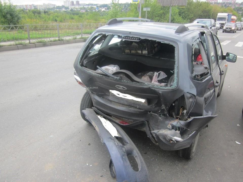 В Северном районе Орла иномарка «подтолкнула» Калину. Фото Госавтоинспекции Орловской области.