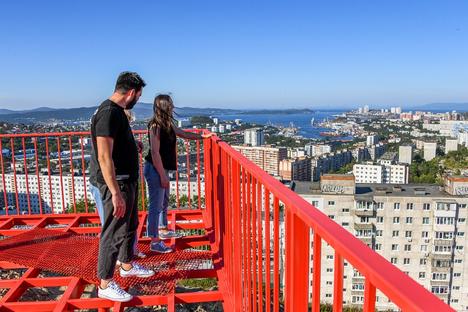 Видовая площадка позволяет воочию понять масштаб города и природы