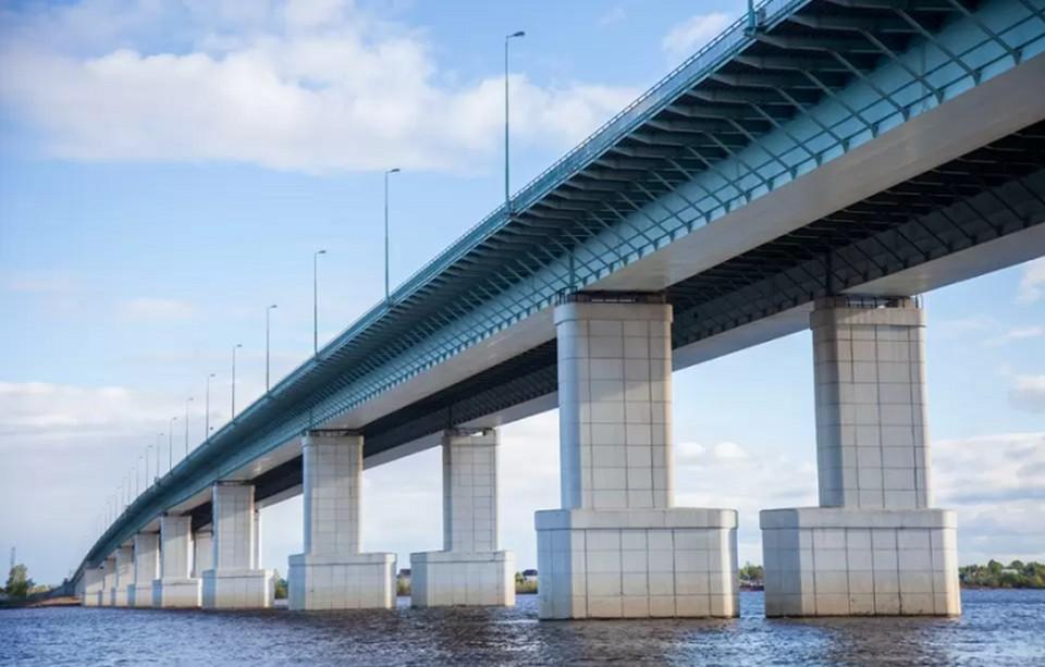 В Пермском крае продолжается строительство моста через реку Чусовую.
