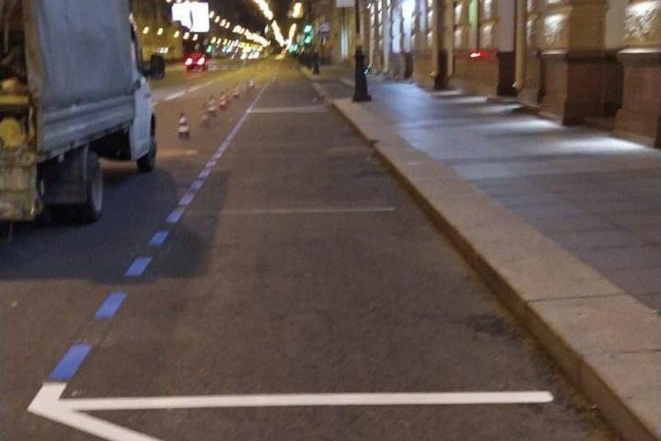В центре Петербурга начали наносить разметку под места для платной парковки / Фото: Комитет по транспорту