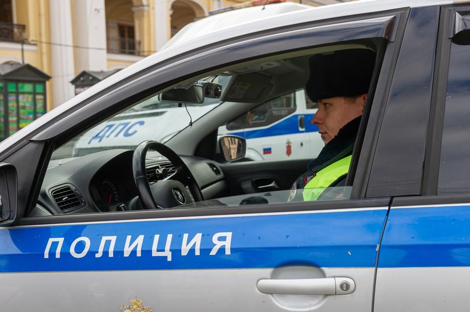 В Курортном районе задержан курьер за хулиганскую стрельбу из пневматического пистолета на парковке