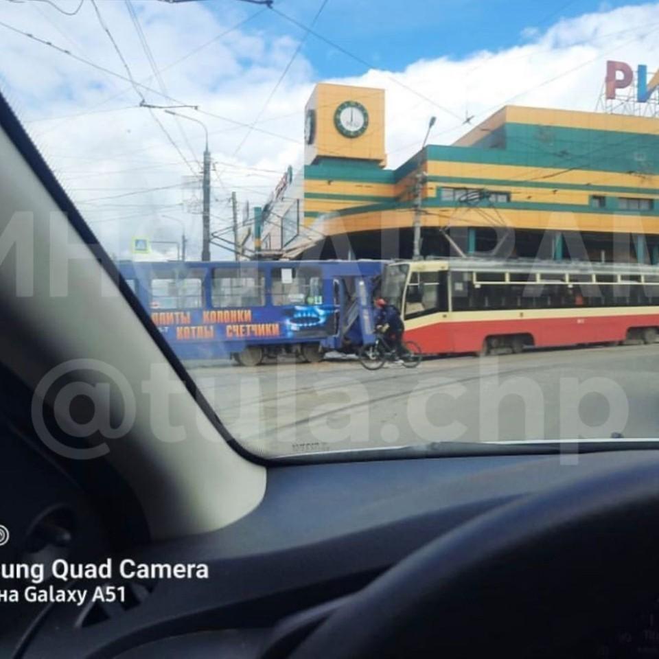 В Туле лоб в лоб столкнулись два трамвая