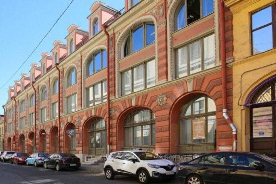 Часть Малого Гостиного двора была продана на аукционе за 214 млн рублей / Фото: Администрация Центрального района