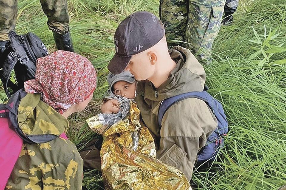 Когда мальчика нашли спустя две ночи, он едва шевелился и не мог говорить. Фото: Пресс-служба областного СУСК