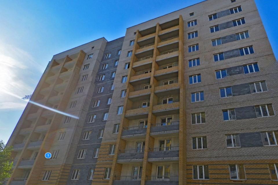 Сдать дом на Широтной подрядчик должен был в декабре 2018 года. Фото: yandex.ru/maps