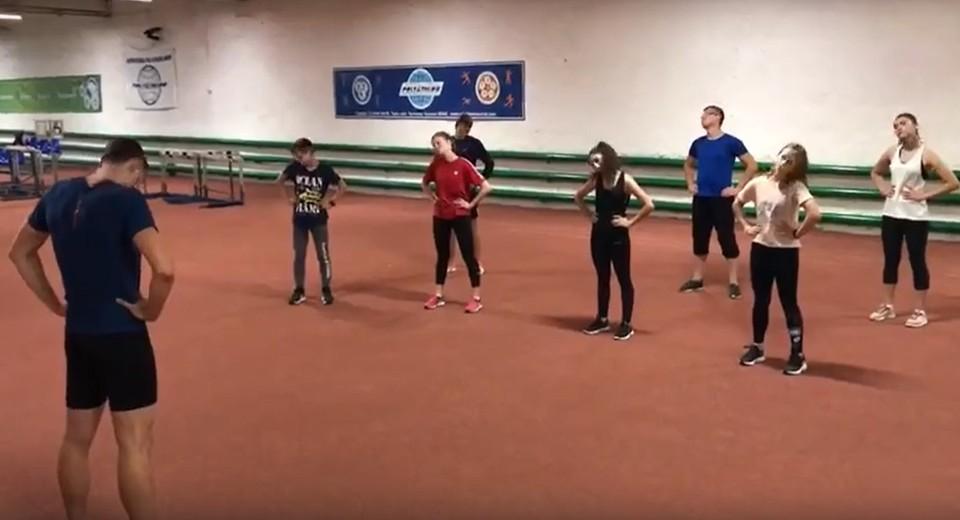 Скрин видео разминки в спортивной школе олимпийского резерва.
