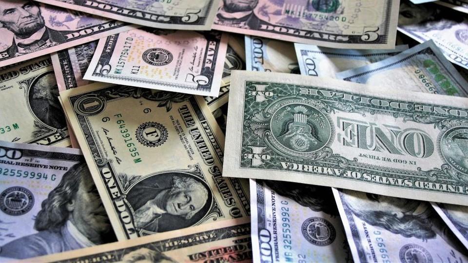 Доллар поднялся выше 426 тенге