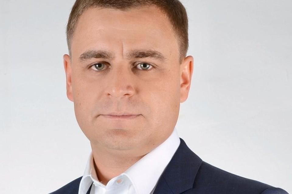 Министр транспорта Решетник через суд отменил постановление пристава в отношении себя.