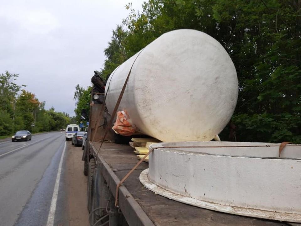 Контейнеры вывезли со склада и пытались переправить в Тверь Фото: facebook.com/dkvasnikov