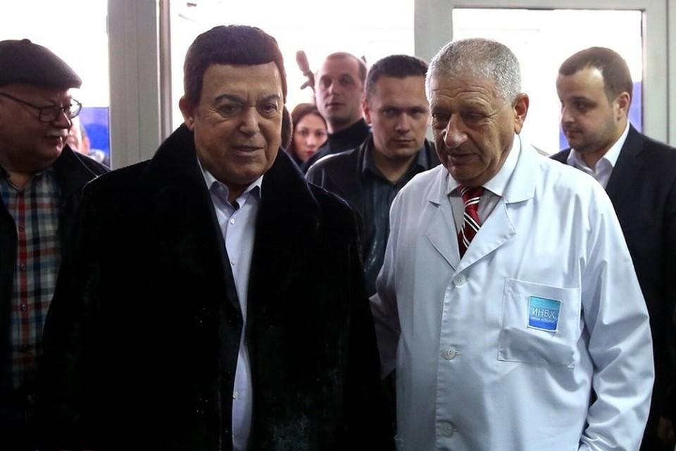 Иосиф Кобзон приезжал в республики Донбасса с концертами в самый разгар боевых действий. Фото: ДАН