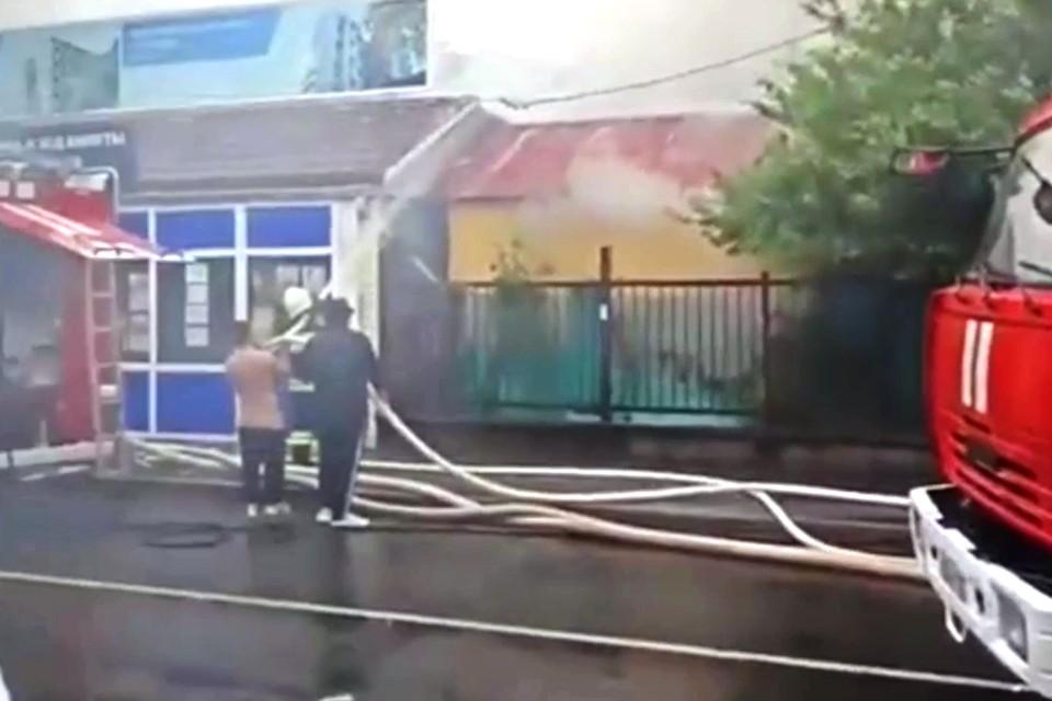 Тушить огонь начали не сразу. Фото: instagram.com/pavlovskaia_svetik