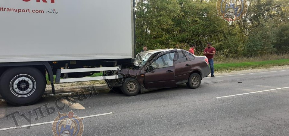 Авария случилась на 80-ом километре автодороги «Лапотково - Ефремов»