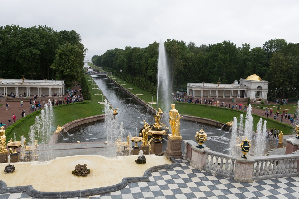 Петергоф закрылся из-за сильного ветра 14 сентября