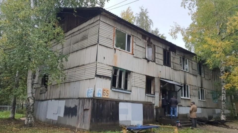 Загорелся двухэтажный дом в Нефтеюганске Фото: СУ СК РФ по ХМАО-Югре
