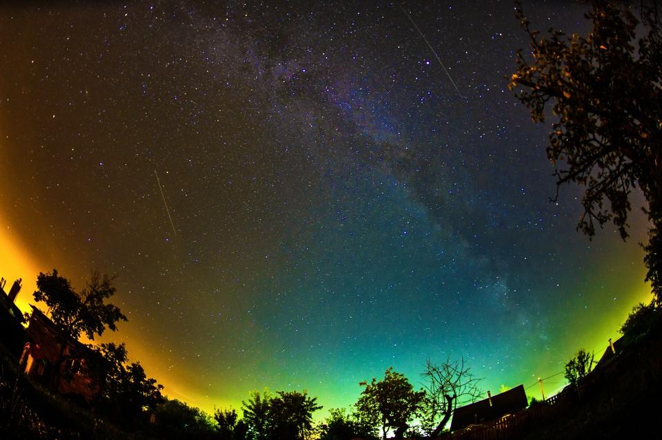 Ночное небо притягивает тысячи взглядов