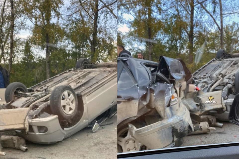 """Под Новосибирском на Мочищенском шоссе фура протаранила два легковых автомобиля. Фото: """"АСТ-54"""""""