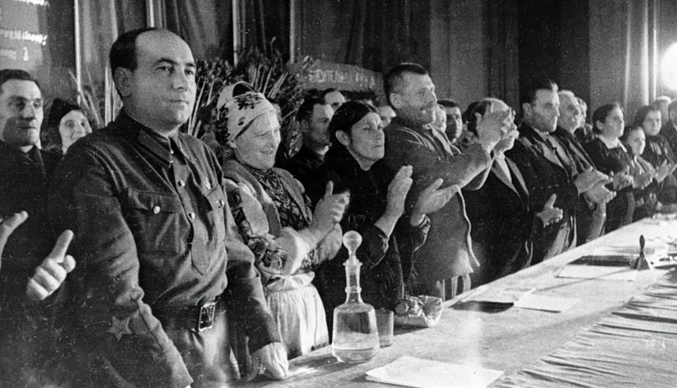 Первый секретарь ЦК КП(б)Б Пантелеймон Пономаренко принимал активное участие в определении границ республики. Фото: Sputnik