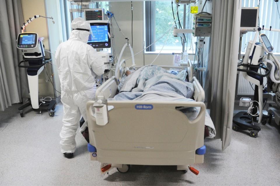 В реанимации находятся 142 пациента, 27 заболевших подключены к аппаратам ИВЛ.