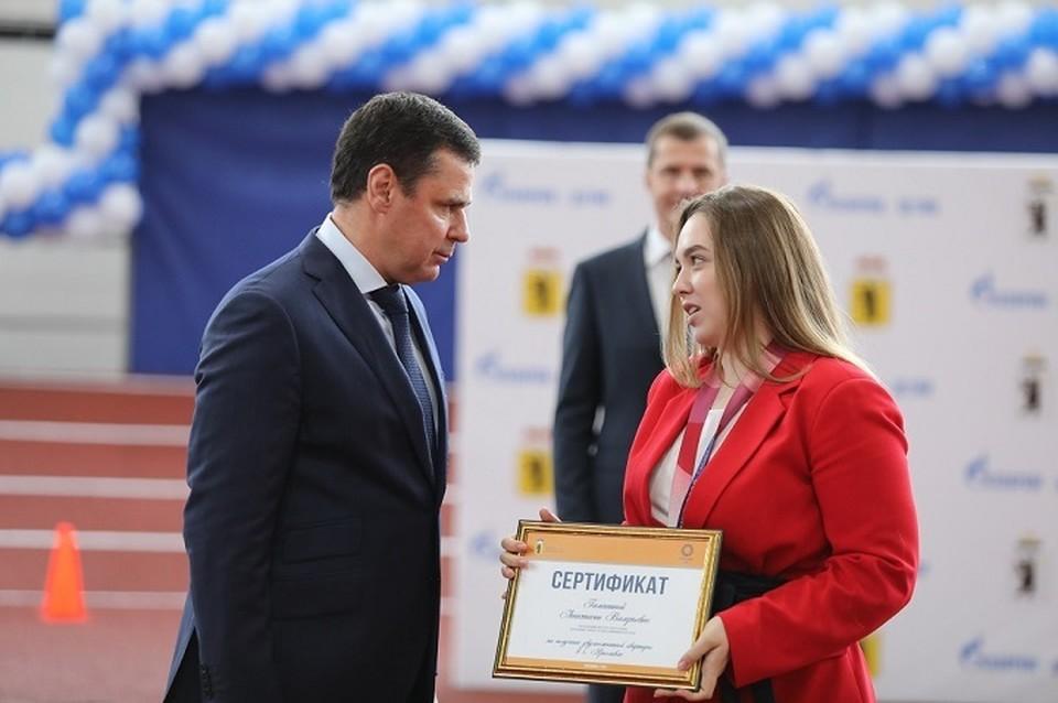 Дебют ярославны Анастасии Галашиной на Олимпиаде принес первую медаль российской сборной, что заслуживает уважения, считает Дмитрий Миронов.