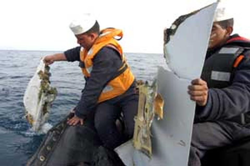 Поисковая операция в Красном море продолжается до сих пор.