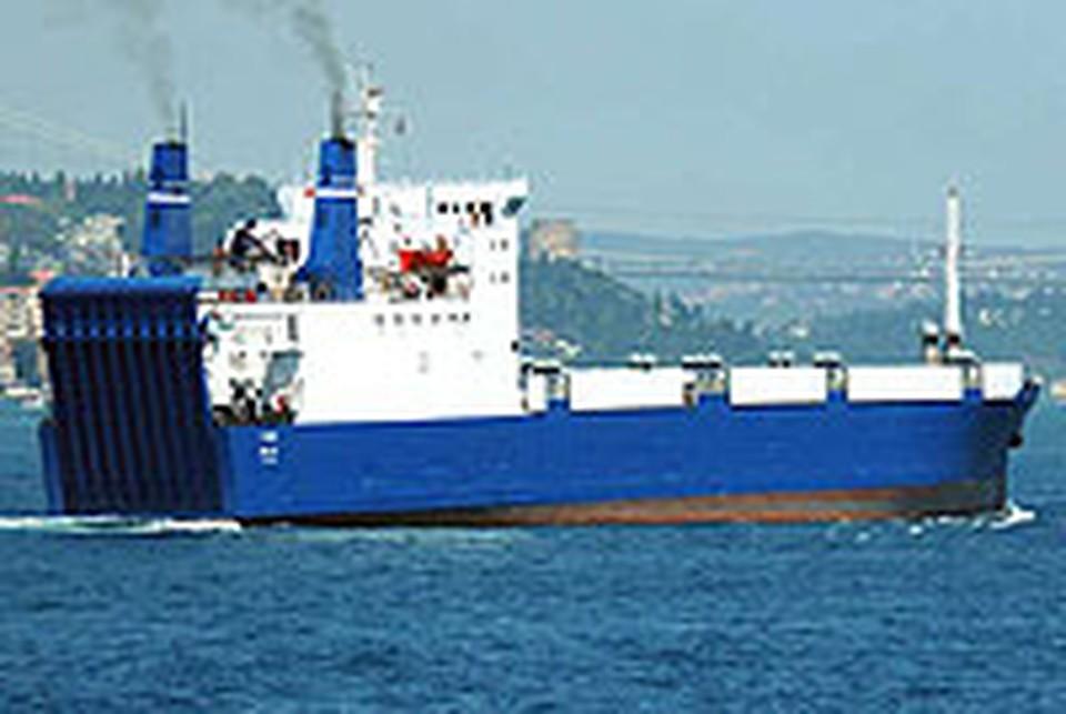 """Захватив судно """"Фаина"""" с танками и оружием, пираты привлекли, наконец-то, к себе внимание военных."""
