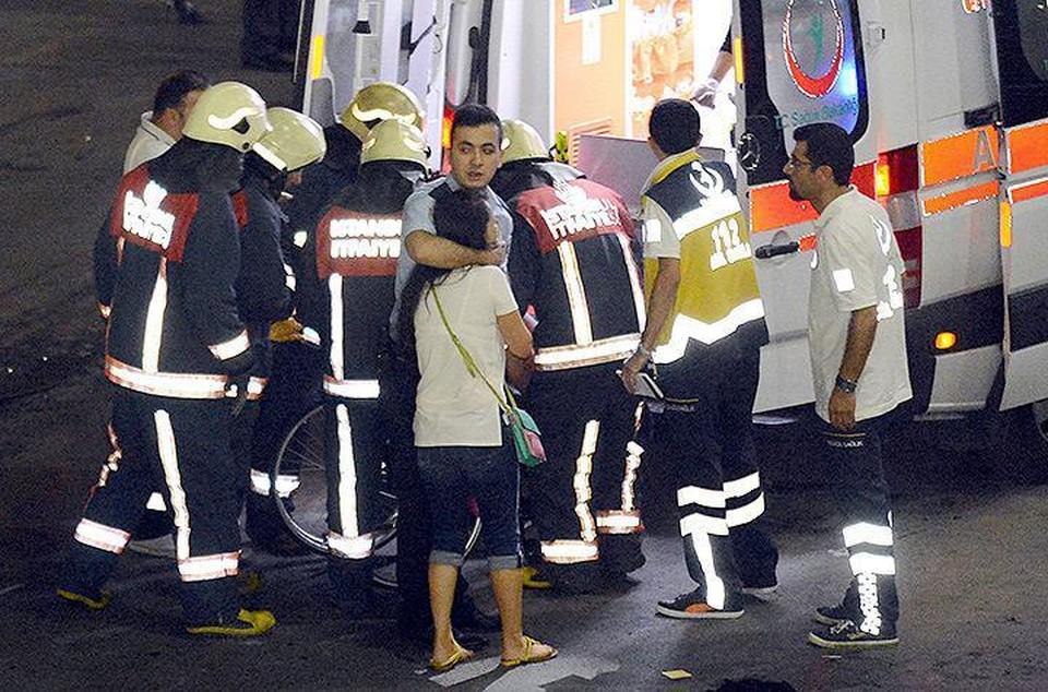 Жертвами терактов в турецком аэропорту стали десятки человек